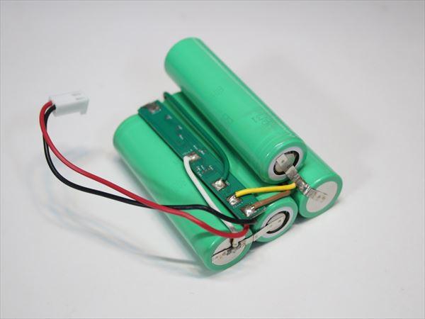 組電池の電池交換画像