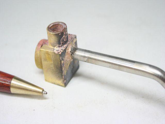 真鍮とステンレスパイプのロウ付け画像