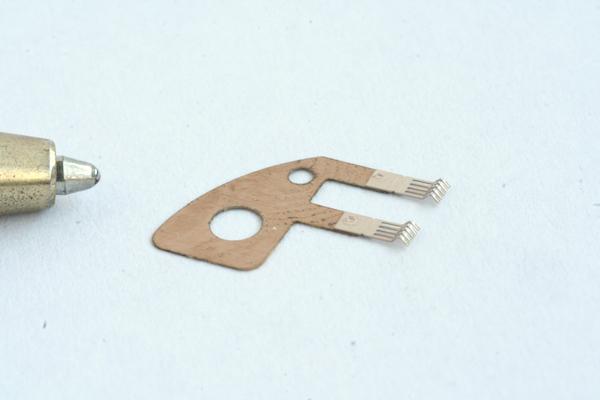 ベリリウム銅×ニッケルすず銅合金のスポット溶接画像