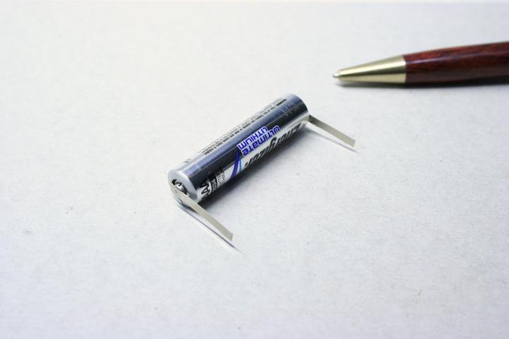 タブ付き電池製作(スポット溶接)画像