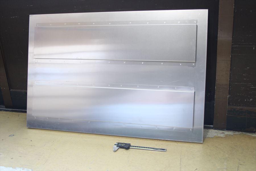 アルミ看板のスポット溶接画像