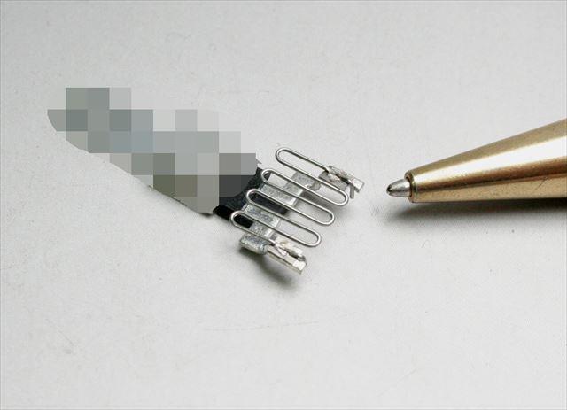 電熱線と端子のスポット溶接画像