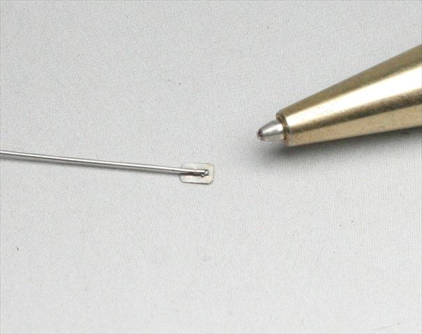 ステンレス薄板(t0.1)と線材(φ0.5)のマイクロスポット溶接画像
