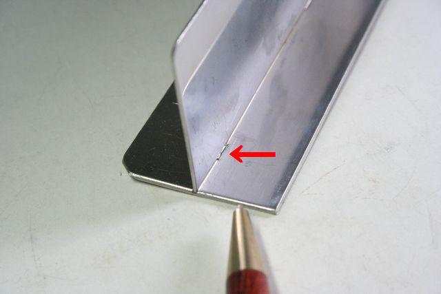 ステンレス板(t0.8)のレーザー溶接(精密溶接)画像