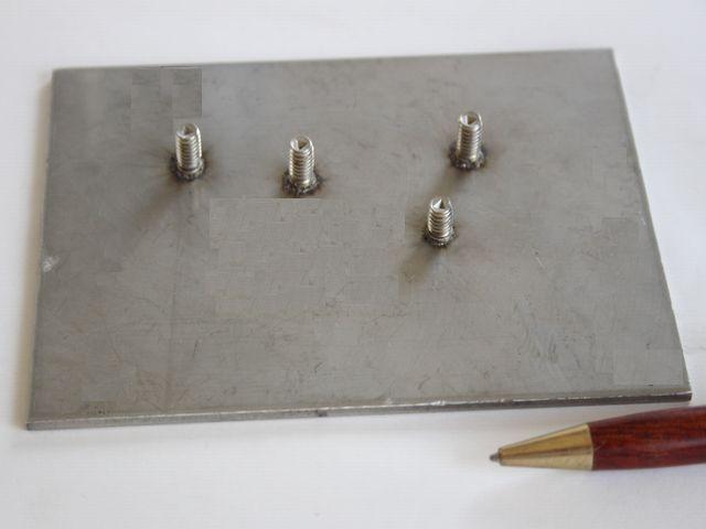 M6スタッドボルト溶接画像