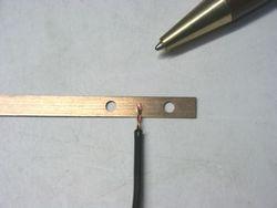 りん青銅板とリード線のスポッ溶接画像