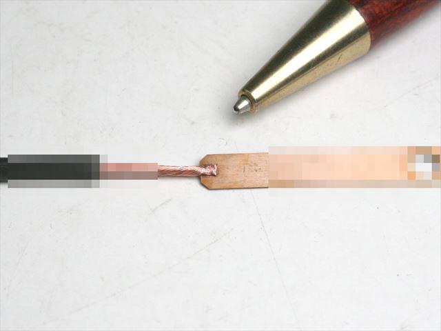 リード線と銅端子のスポット溶接画像