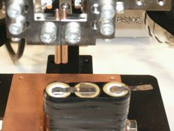 電池タブ溶接加工画像1