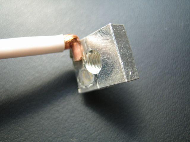 銅リード線ヒュージング加工(熱カシメ)画像