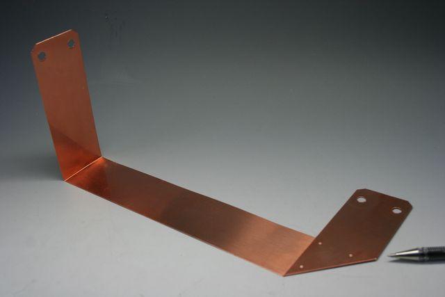 電極 銅板のスポット溶接画像