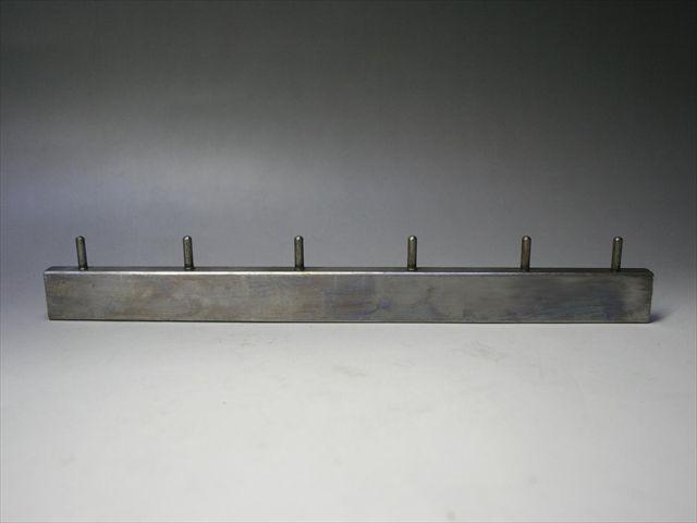 φ4の鉄ピンのスタッド溶接画像