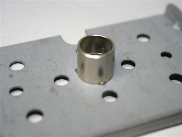 パイプと電気亜鉛めっき鋼板の、プロジェクション溶接画像