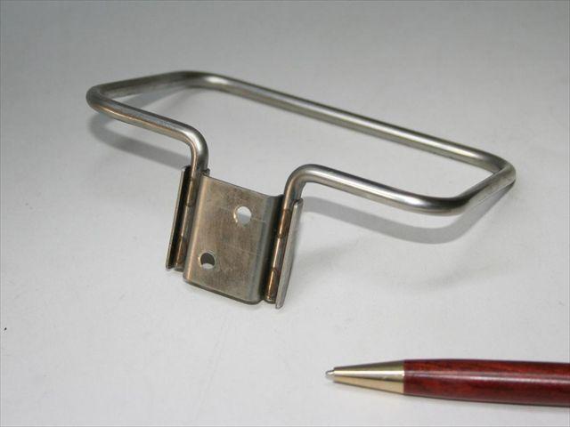 ステンレス丸棒と取り付け部品のスポット溶接画像