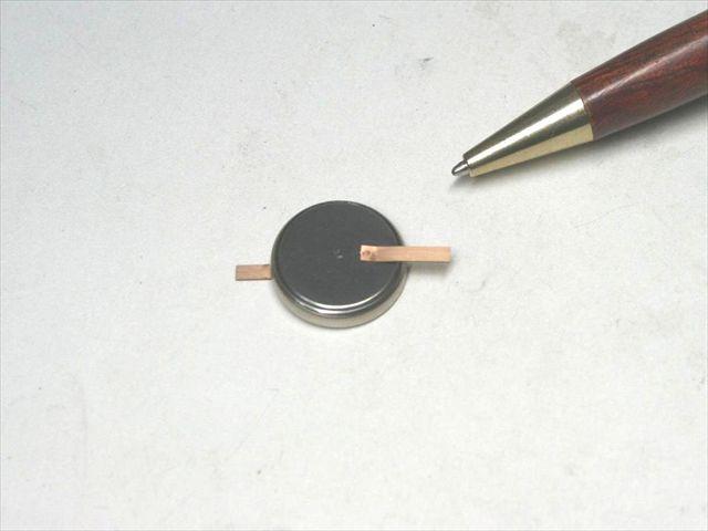 コイン形リチウム電池 タブのスポット溶接