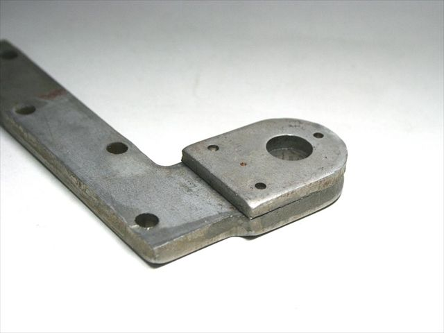 板厚6mmと4mmのSPCC(鉄)のプロジェクション溶接画像