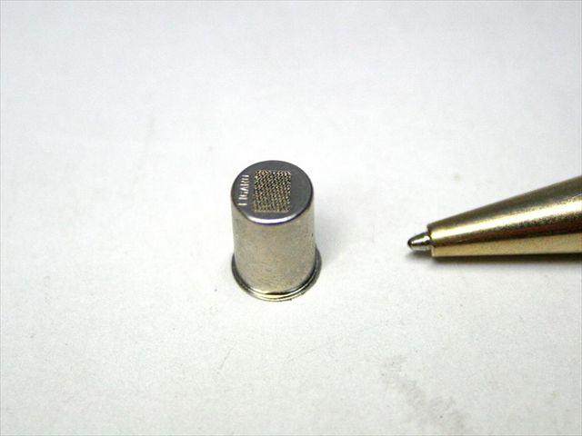 深絞り部材と金属メッシュフィルターのスポット溶接画像