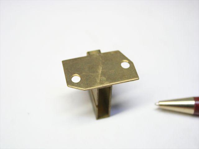 真鍮製金具のスポット溶接画像
