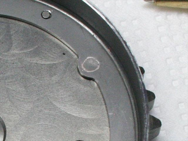 エンジン内部品のプロジェクション溶接画像
