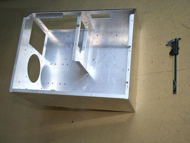 アルミ筐体のスポット溶接画像