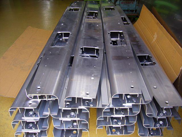 板厚4.0mmのアルミニウム(A5052)スポット溶接画像