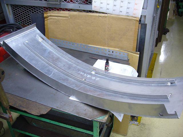 アルミ大型部材のスポット溶接・組み立て画像