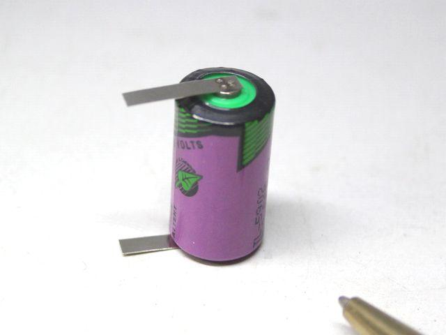 1/2AA リチウム電池のタブ付け画像